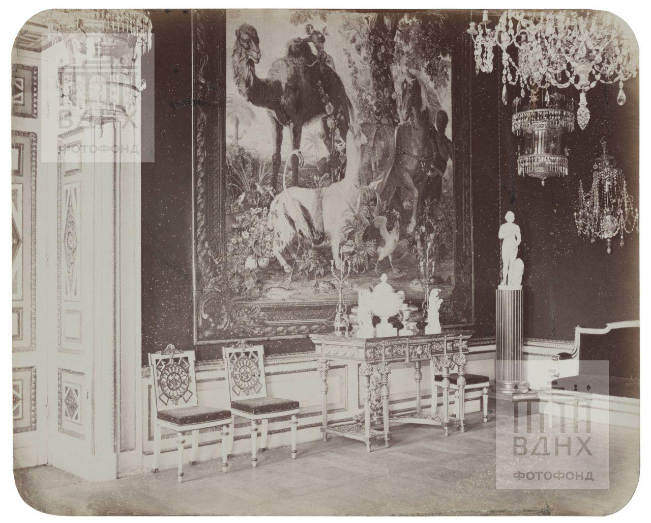 Останкинский дворец. Малиновая прихожая. 1868-1870