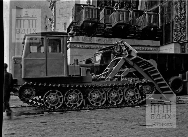 Трелевыный трактор ТДТ-54