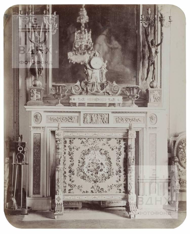 Останкинский дворец. Камин в Верхней наугольной окнами в сад. 1868-1870