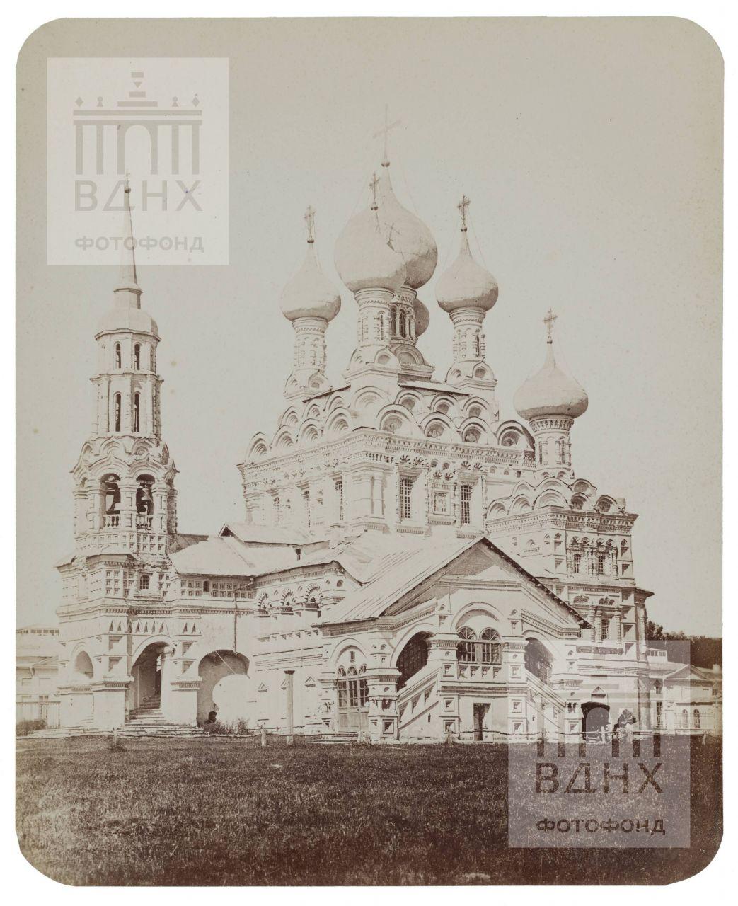 Останкино. Церковь Живоначальной Троицы